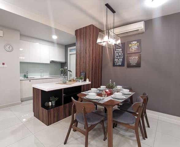 Family Getaway at Fully Equipped 3BR@ Ace Location