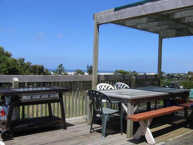 Sea Views and Privacy - Mangawhai Heads - Hus