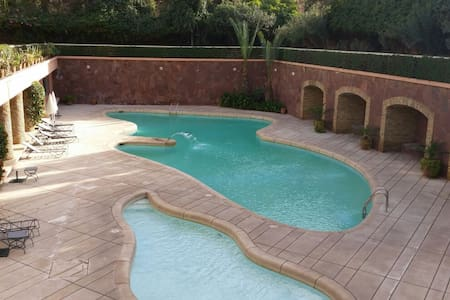 Appartement HIVERNAGE .PISCINE