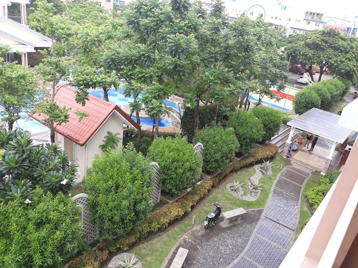 1 bedroom fully furnished condo unit close to BGC.