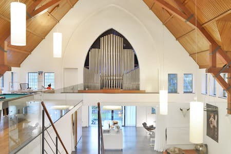 Transformed Church authentic/design - Heerlen - Loft