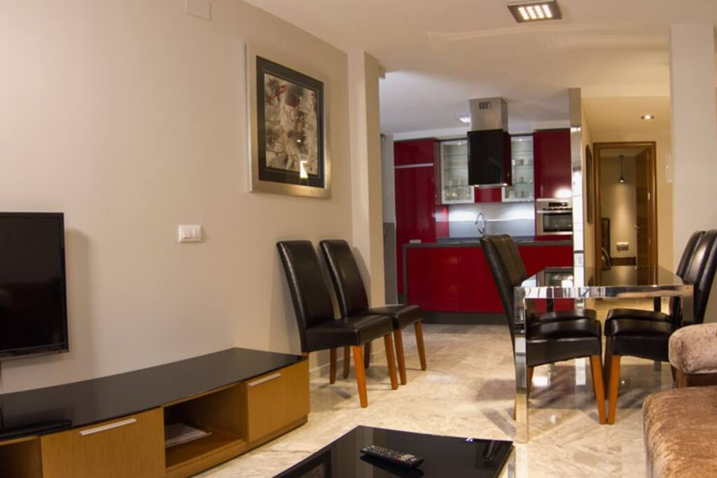 Salon and Dining room / Salon y Comedor