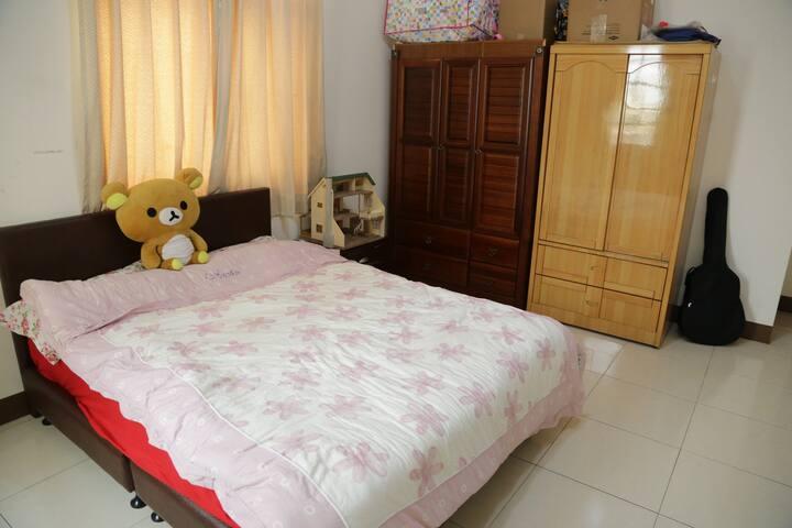 小魚的舒適的雙人房間Nice room in Pintung City - 屏東市 - Casa