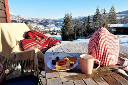 Superkoselig hytte i Furedalen, ski in/ski out! - Kvamskogen - Kabin