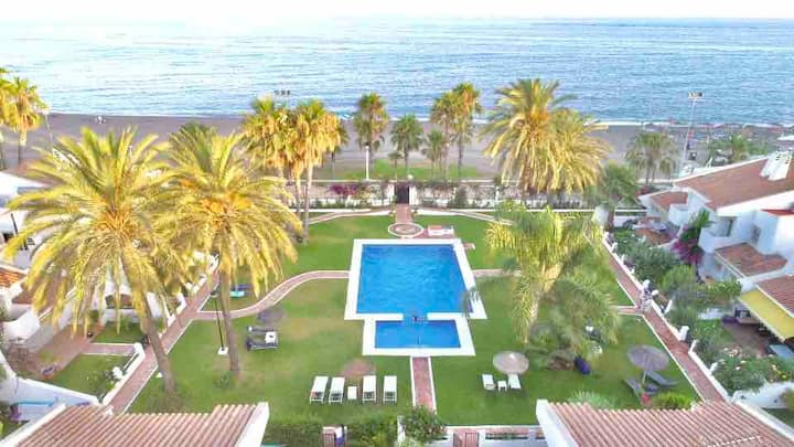 Beachfront oasis in Costa del Sol!