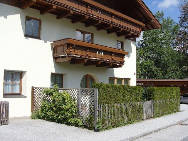 Gemütliche Wohnung in Maria Alm - Maria Alm - Lägenhet