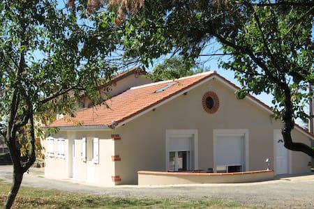 Maison de campagne pour location à la semaine - Montesquiou - Talo