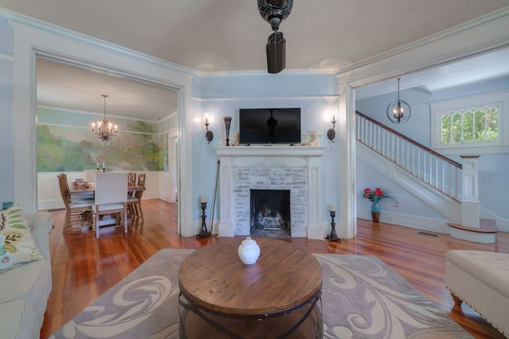 Beautiful 1905 home, steps to Stetson and Downtown