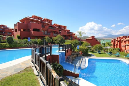 Luxury 2 Bed Apartment with Gardens - Estepona
