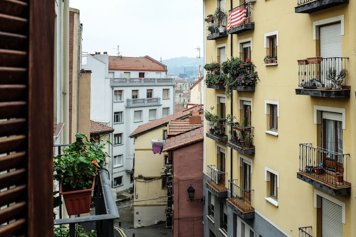 Cozy apartment to Old Town - Bilbao - Apartemen