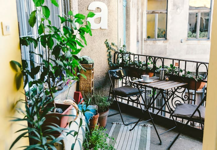 Rooftop Atelier Apt.- Cozy & Lovely - Budapest - Apartment
