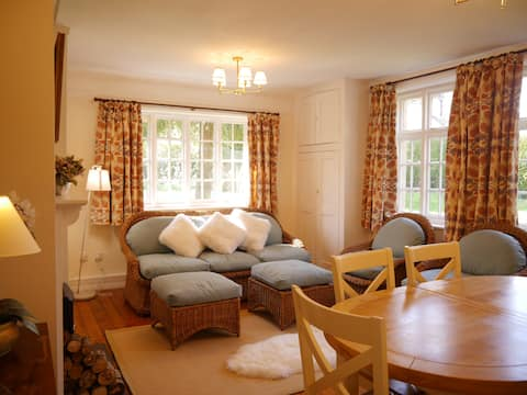 Charming Cottage in historic Castle Ashby