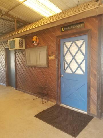 Cozy Barn Stay