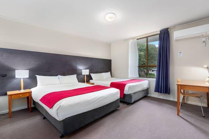 Knox International Hotel and Apartments