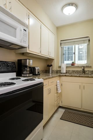 Downtown Condo - Excellent Location