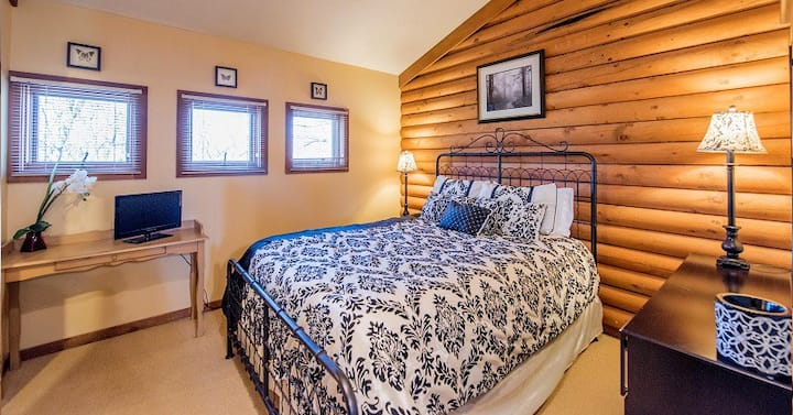 Heartland Country Resort's Tranquility Suite