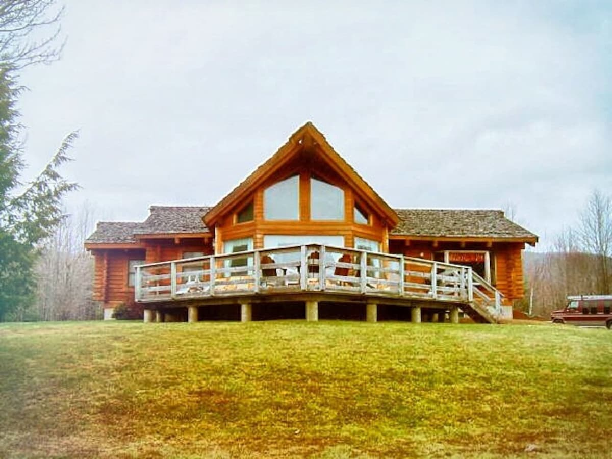 All Season Spacious Windham/Hunter Log Cabin   Houses For Rent In Jewett,  New York, United States