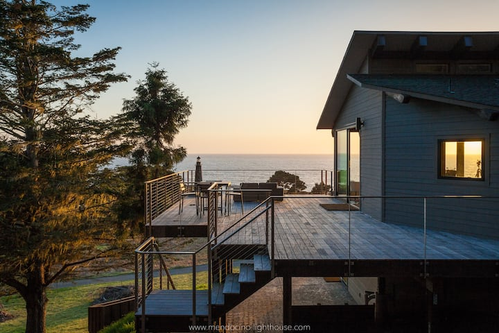 MendocinoLighthouse-seaside retreat