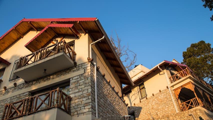 Jaiharikhal-Lansdowne Homestay Room-Thadia