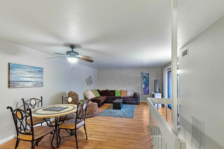 *SANITIZED* Campus Walk Condo is An EASY Walk to all you could want in Tucson!