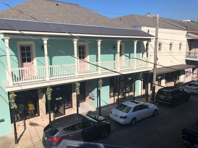 Historical Downtown THIBODAUX - WALK EVERYWHERE!