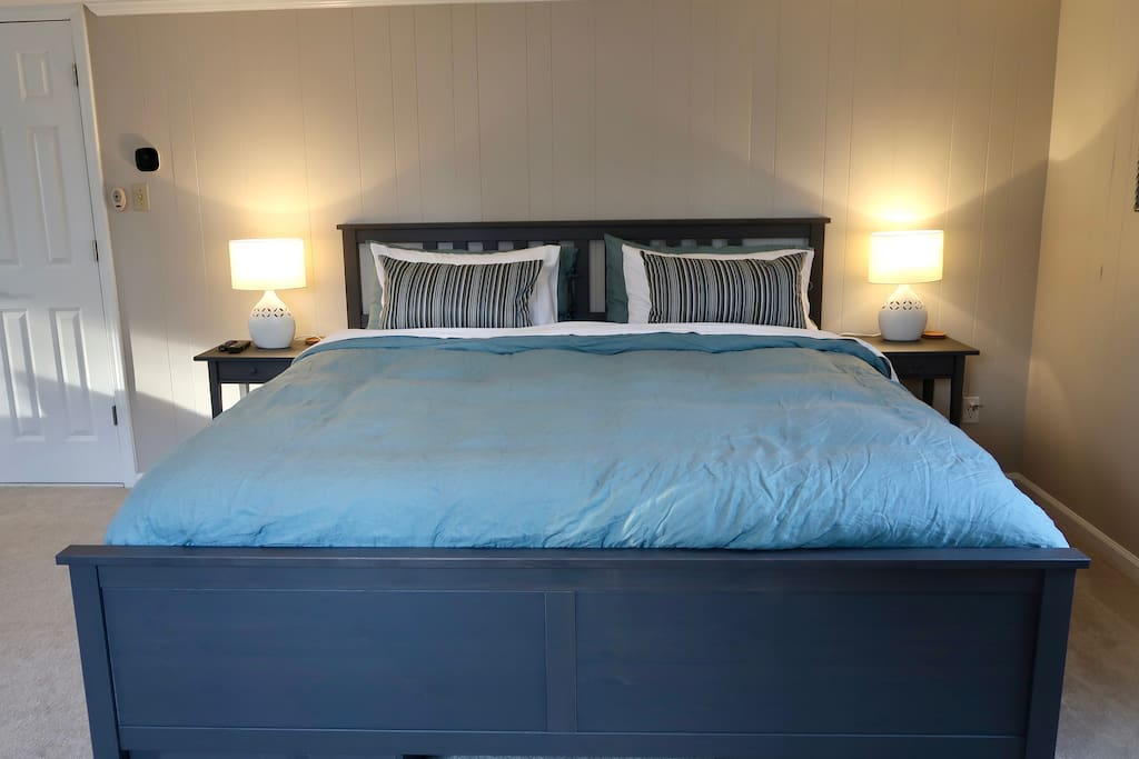 Nice comfy king bed