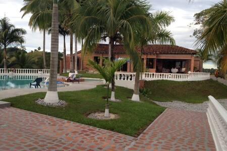 Finca de Recreo - Doraldal - บ้าน