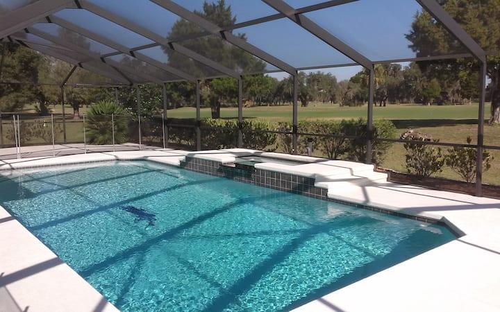 3-bedroom villa with pool & hot tub