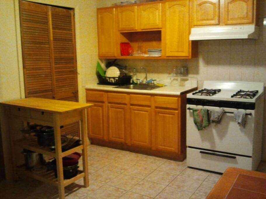 Full kitchen qith everything you need