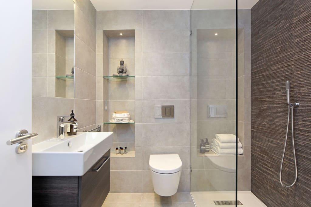 Walk in Shower Room with Underfloor Heating