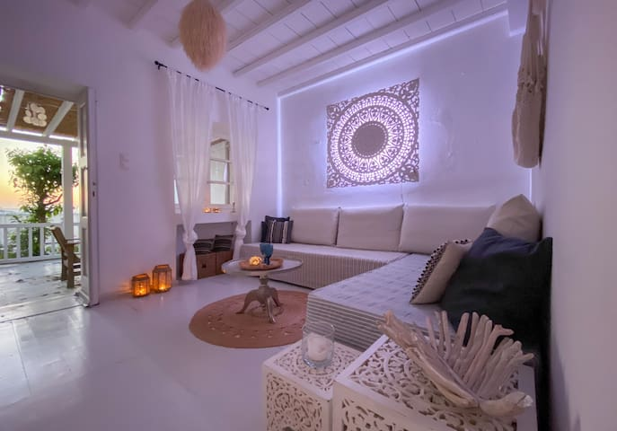 The Cabin in Mykonos Town, serviced, free transfer