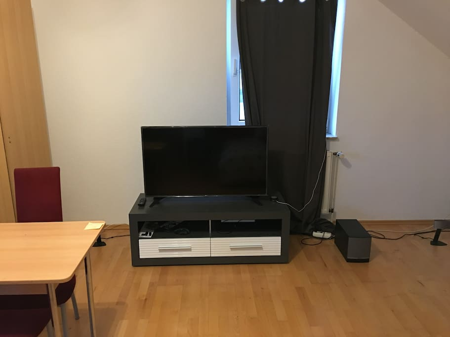 TV that you can watch while sitting/sleeping on the bed