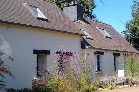 A delightful country cottage in central Brittany