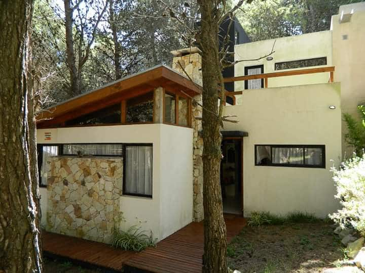 Aguamarina, casa en el bosque de Mar Azul.