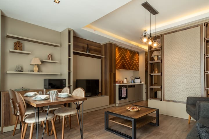 Delux Suite ... Near Mall of Istanbul