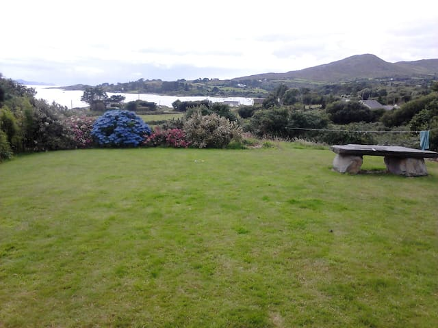 Wild Atlantic Way sea view cottage ( Lé Cheile ) - Bantry - Stuga