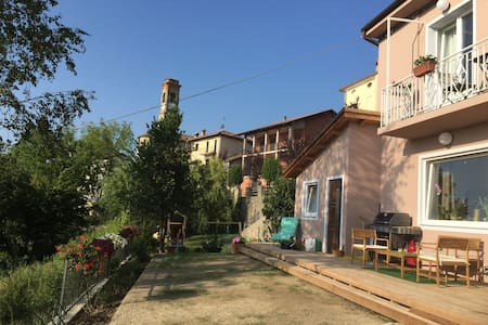 Privacy in the heart of historic village. - Serravalle Langhe