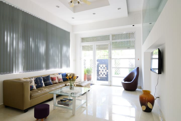 Cosa Villa #2 - Modern Room In A Spacious Villa - Ho Chi Minh City - Villa