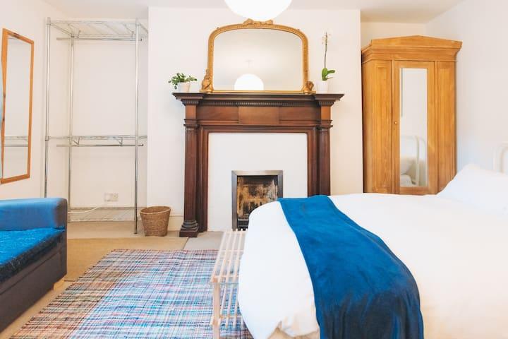 Comfortable, D Room Garden View, Kitchen Access