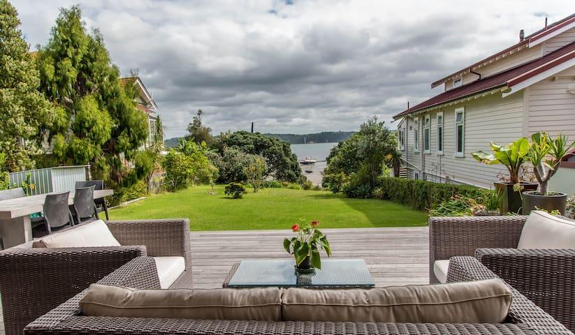 CITY, water views @ beach access - Auckland - Bed & Breakfast