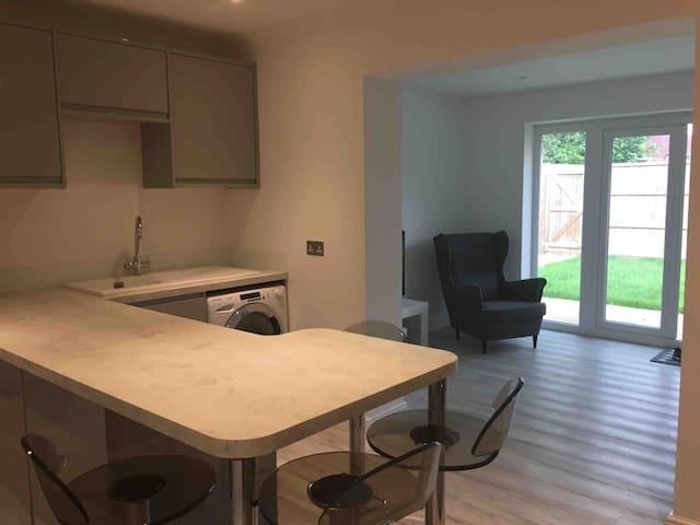 Bosham - Modern two bedroom apartment