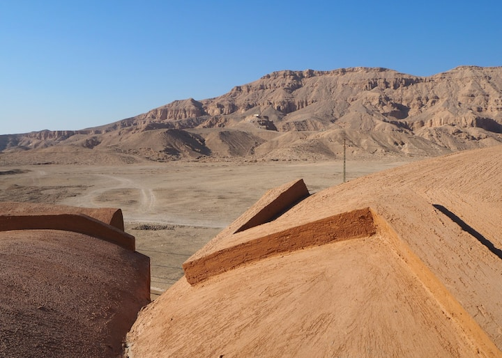 Desert view - near the temples - meals & tours