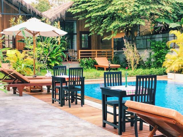 泳池边的别墅房 - Krong Siem Reap - Townhouse