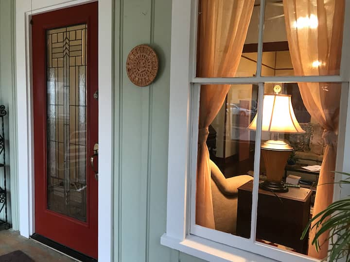 1898 Home in the Heart of Downtown Kingman