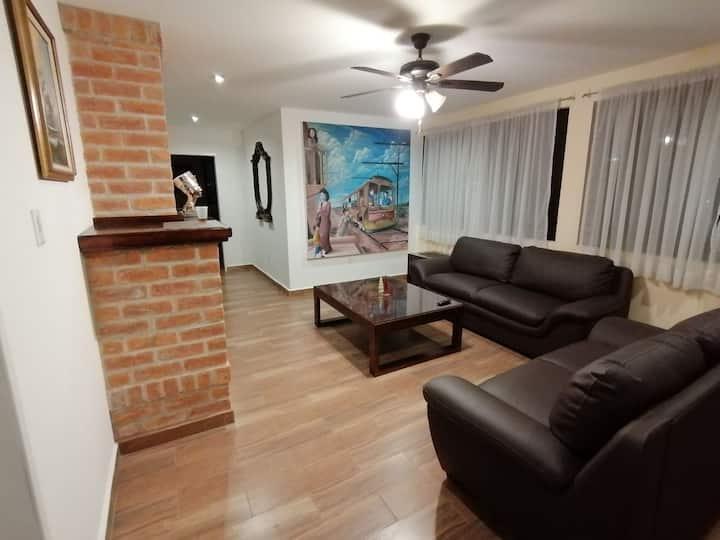 Apartamento nuevo en SLP  4 personas, cochera,wifi