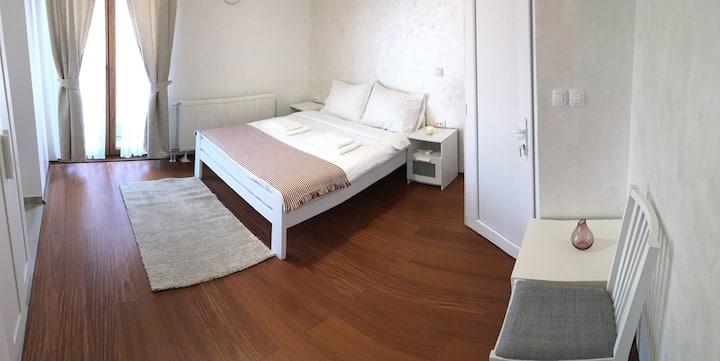 Fruška Gora Guesthouse Apartment w/ balcony