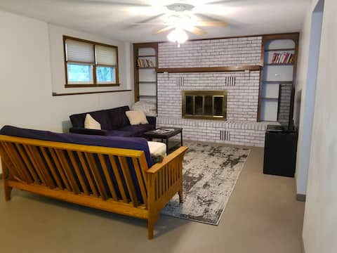 Glory Guest Haus (Private Unit 3 mins from I-70)