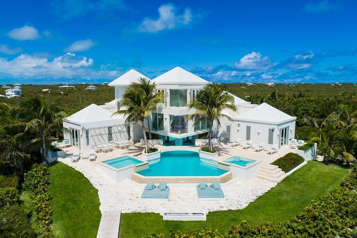 Luxury Beachfront Villa - Pearl East
