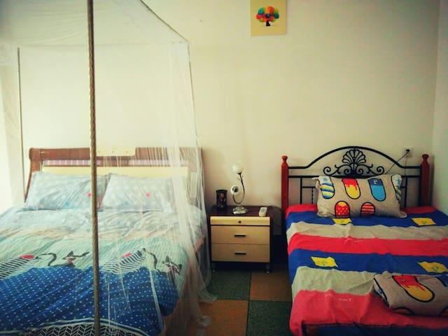 3楼7人间,适合好友同游,家庭旅游~