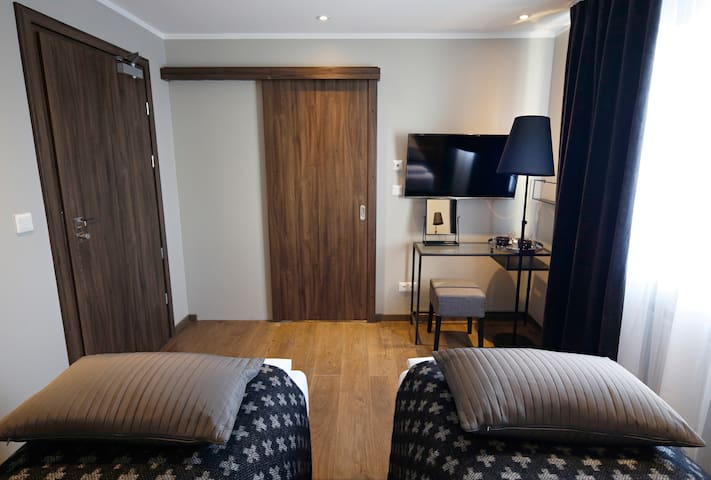 Cozy Twin Room in Keflavik